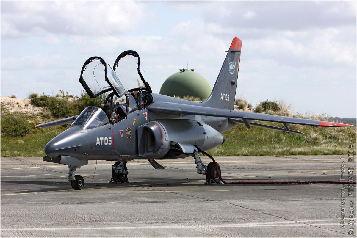 tof#7422 Alphajet de la Force aérienne belge au statique verrière ouverte à Cazaux (France) en 2014