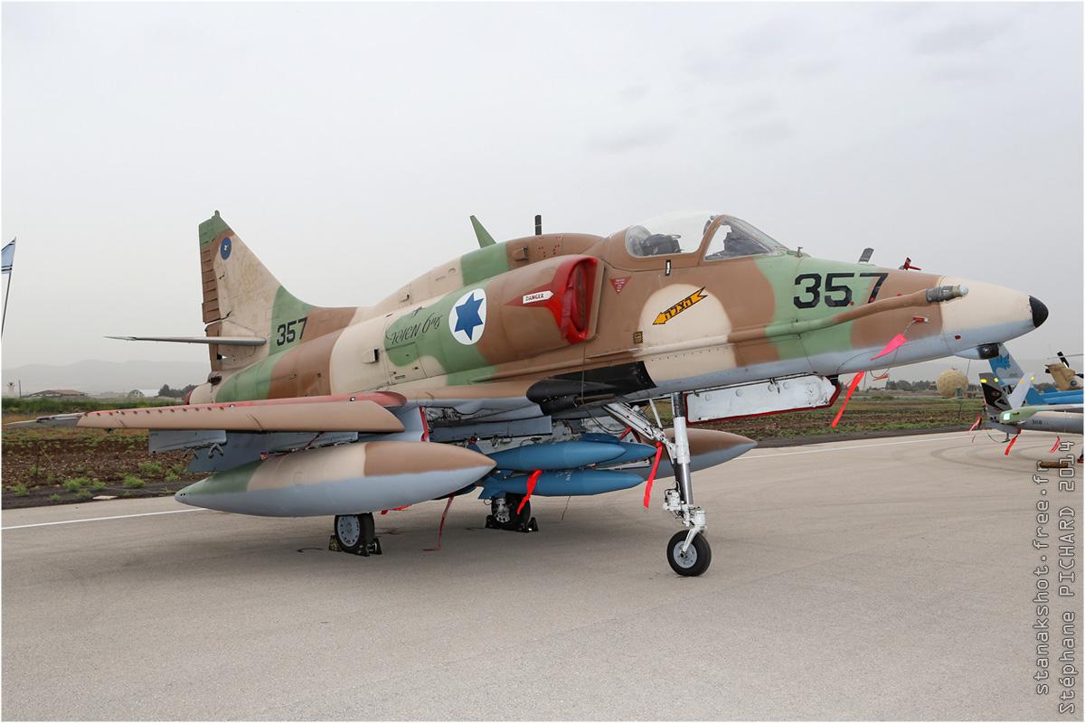 tof#7573 A-4 de la Force aérienne israélienne au statique à Ramat David (Israel) en 2014