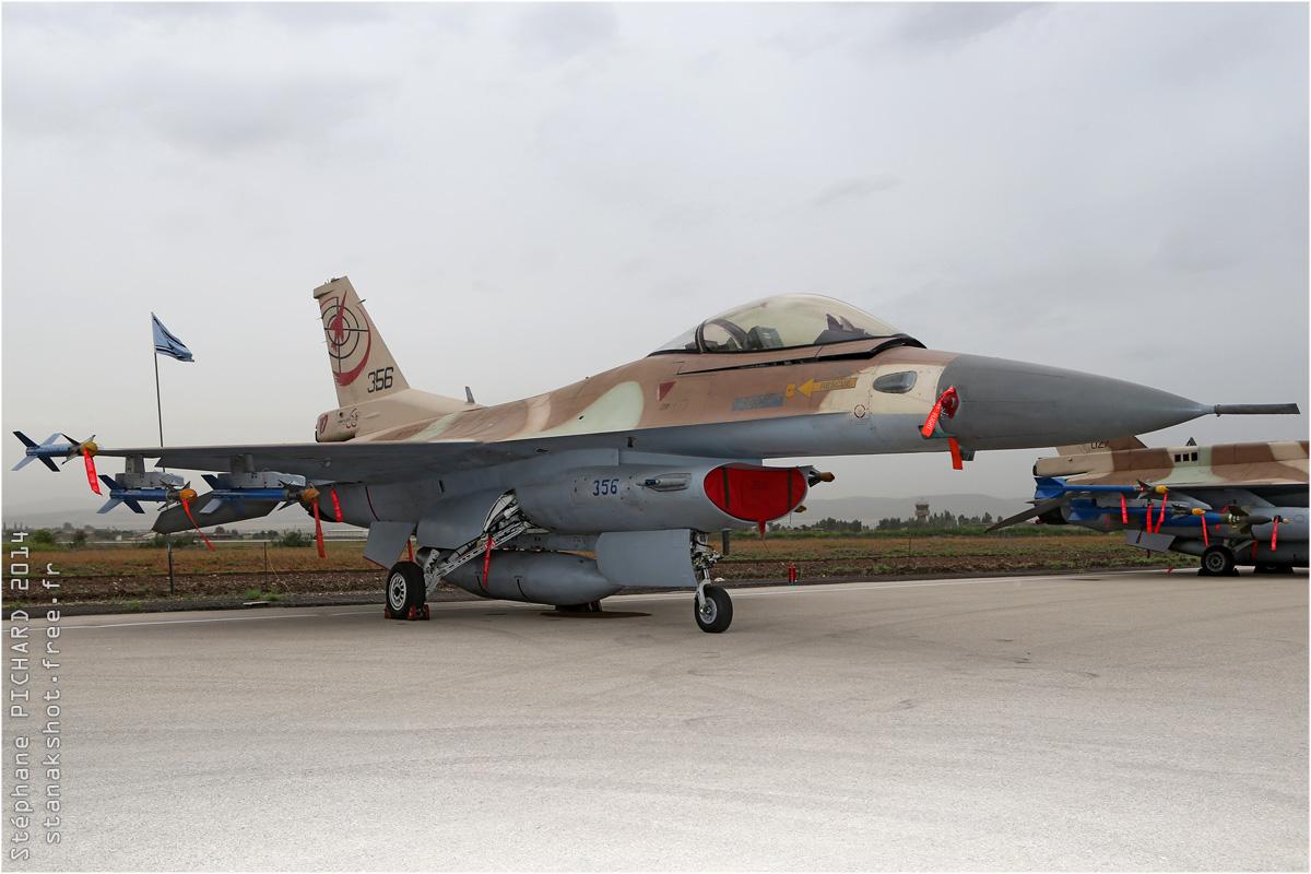 tof#7596 F-16 de la Force aérienne israélienne au statique à Ramat David (Israel) en 2014