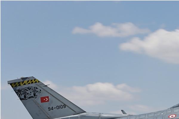 Photo#7119-1-Lockheed F-16D Fighting Falcon