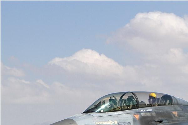 Photo#7128-1-Lockheed F-16D Fighting Falcon