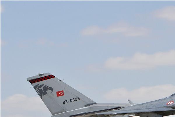 Photo#7129-1-Lockheed F-16D Fighting Falcon