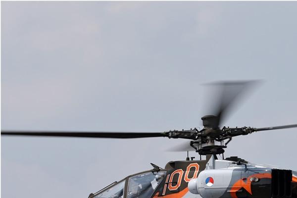 Photo#7150-1-Boeing AH-64DN Apache Longbow