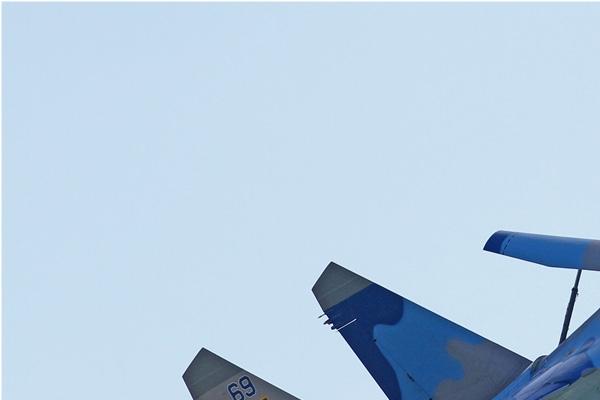Photo#7317-1-Sukhoi Su-27UBM1
