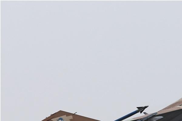 Photo#7597-1-General Dynamics F-16C Barak