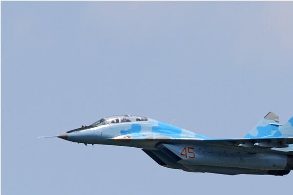 Photo#7655-1-Mikoyan-Gurevich MiG-29UB