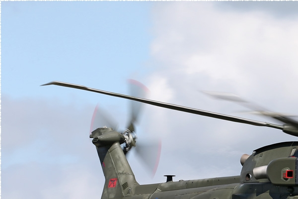 7890a-EHI-Merlin-HC3-Royaume-Uni-air-force