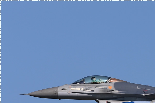 Photo#7953-1-General Dynamics F-16AM Fighting Falcon