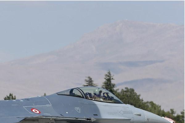 Photo#7092-2-Lockheed Martin F-16C Fighting Falcon