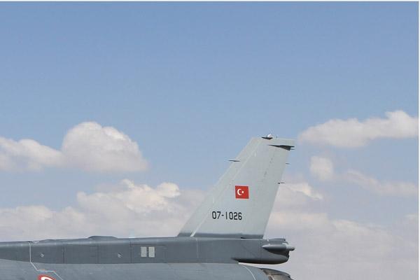 Photo#7098-2-Lockheed Martin F-16D Fighting Falcon