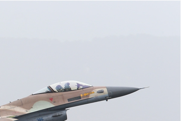 Photo#7604-2-General Dynamics F-16C Barak