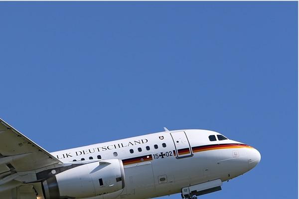 Photo#7686-2-Airbus A319-100 CJ