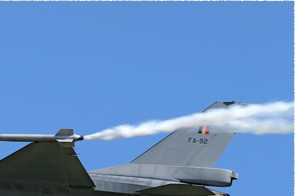 Photo#7854-2-General Dynamics F-16AM Fighting Falcon