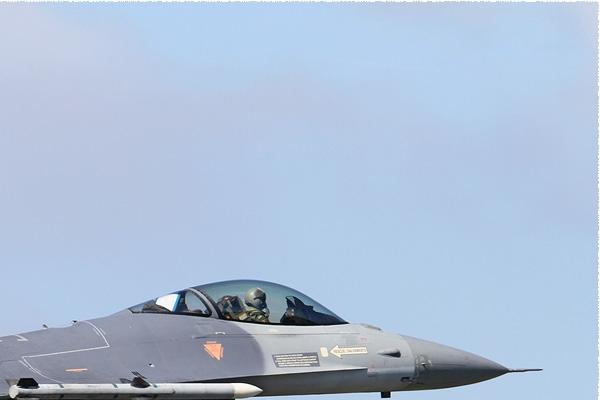Photo#7945-2-General Dynamics F-16AM Fighting Falcon