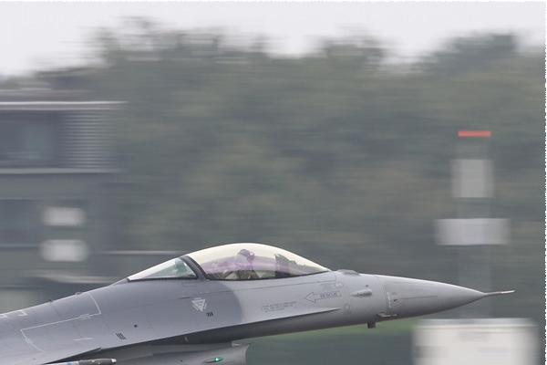 Photo#7948-2-General Dynamics F-16AM Fighting Falcon