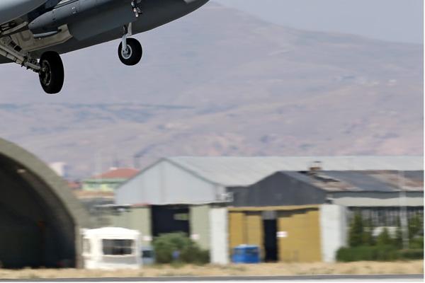 Photo#7084-4-Lockheed Martin F-16C Fighting Falcon