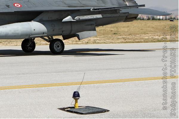 Photo#7096-4-General Dynamics F-16D Fighting Falcon