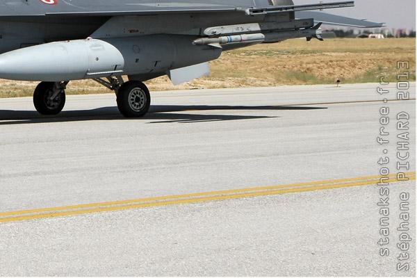 Photo#7098-4-Lockheed Martin F-16D Fighting Falcon