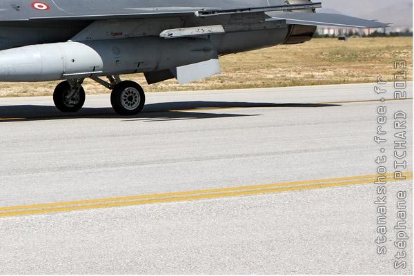 Photo#7100-4-Lockheed Martin F-16D Fighting Falcon