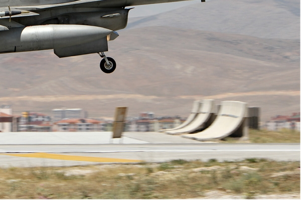 Photo#7103-4-Lockheed Martin F-16E Fighting Falcon