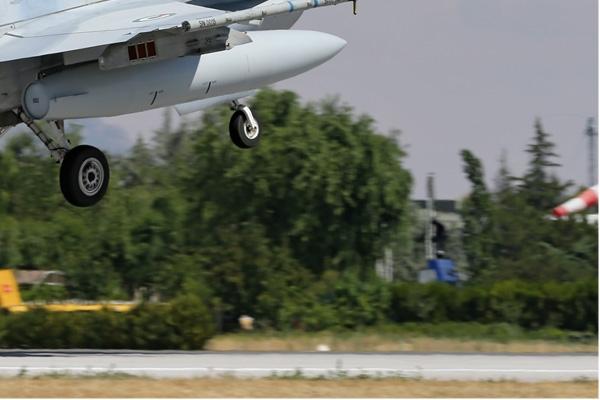 Photo#7111-4-Lockheed Martin F-16E Fighting Falcon