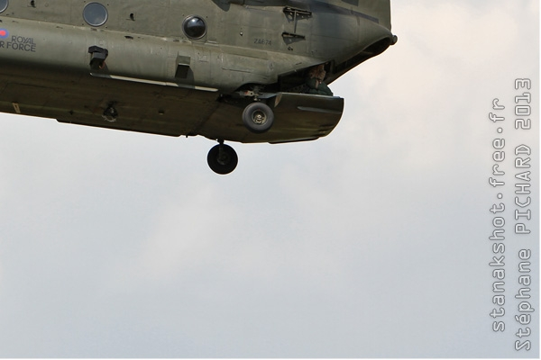 Photo#7162-4-Boeing Chinook HC2
