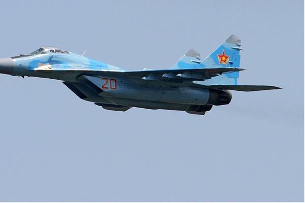 Photo#7655-4-Mikoyan-Gurevich MiG-29UB