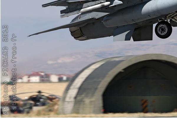 Photo#7084-3-Lockheed Martin F-16C Fighting Falcon