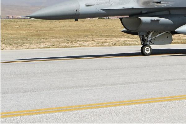 Photo#7098-3-Lockheed Martin F-16D Fighting Falcon