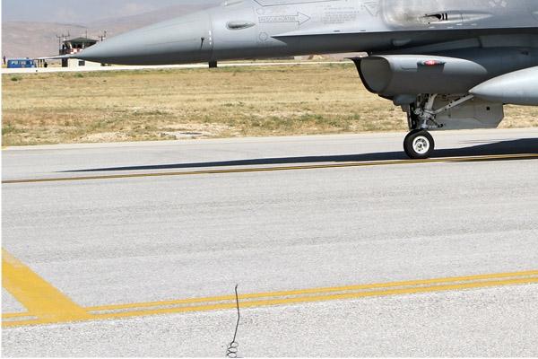 Photo#7100-3-Lockheed Martin F-16D Fighting Falcon
