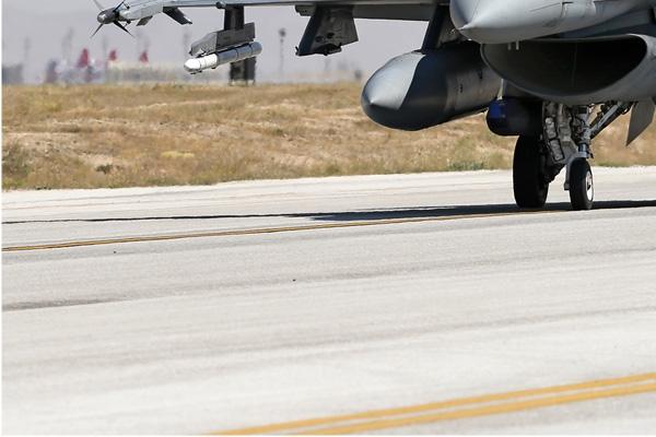 Photo#7117-3-Lockheed F-16D Fighting Falcon