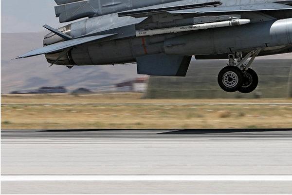 Photo#7119-3-Lockheed F-16D Fighting Falcon