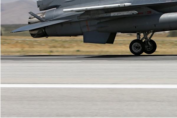 Photo#7125-3-Lockheed F-16D Fighting Falcon
