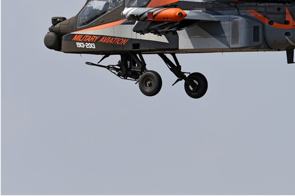 Photo#7150-3-Boeing AH-64DN Apache Longbow
