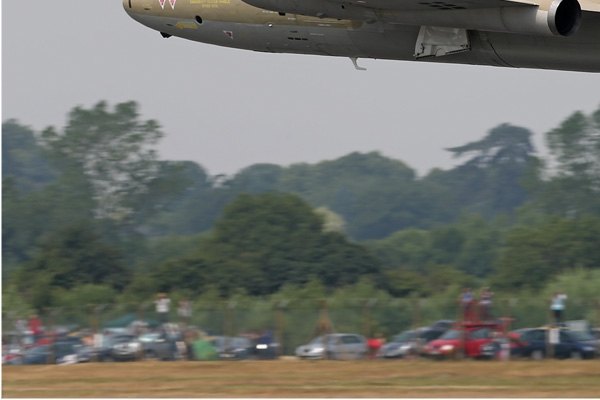 Photo#7220-3-English Electric Canberra PR9