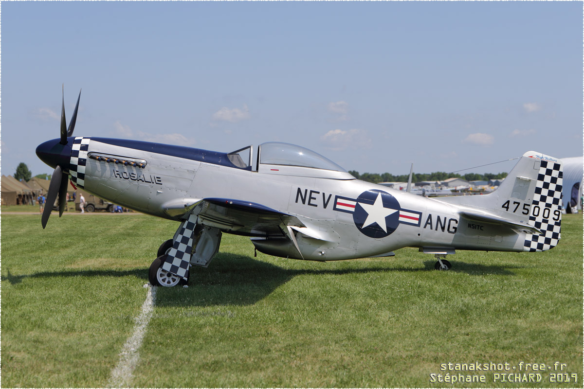 tof#8109 P-51 enregistré aux USA au statique à Oshkosh (WI, USA) en 2019
