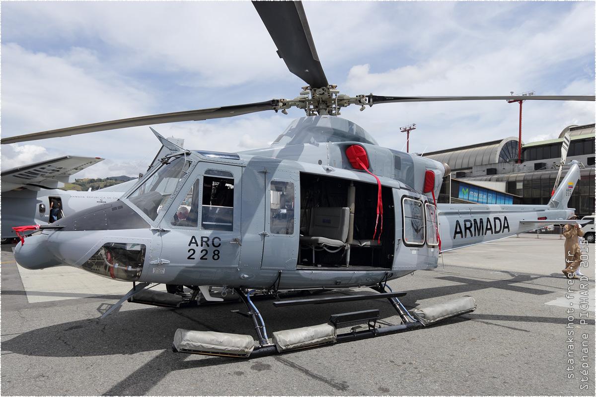 tof#8677 Bell 412 de la Marine nationale colombienne au statique à Rionegro (Colombie) F-AIR 2015