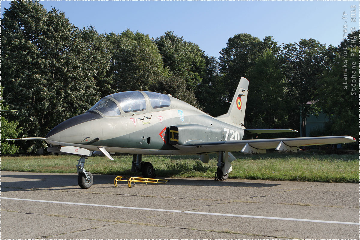 tof#8843 IAR-99 de la Force aérienne roumaine au statique à Bacău (Roumanie) en 2015