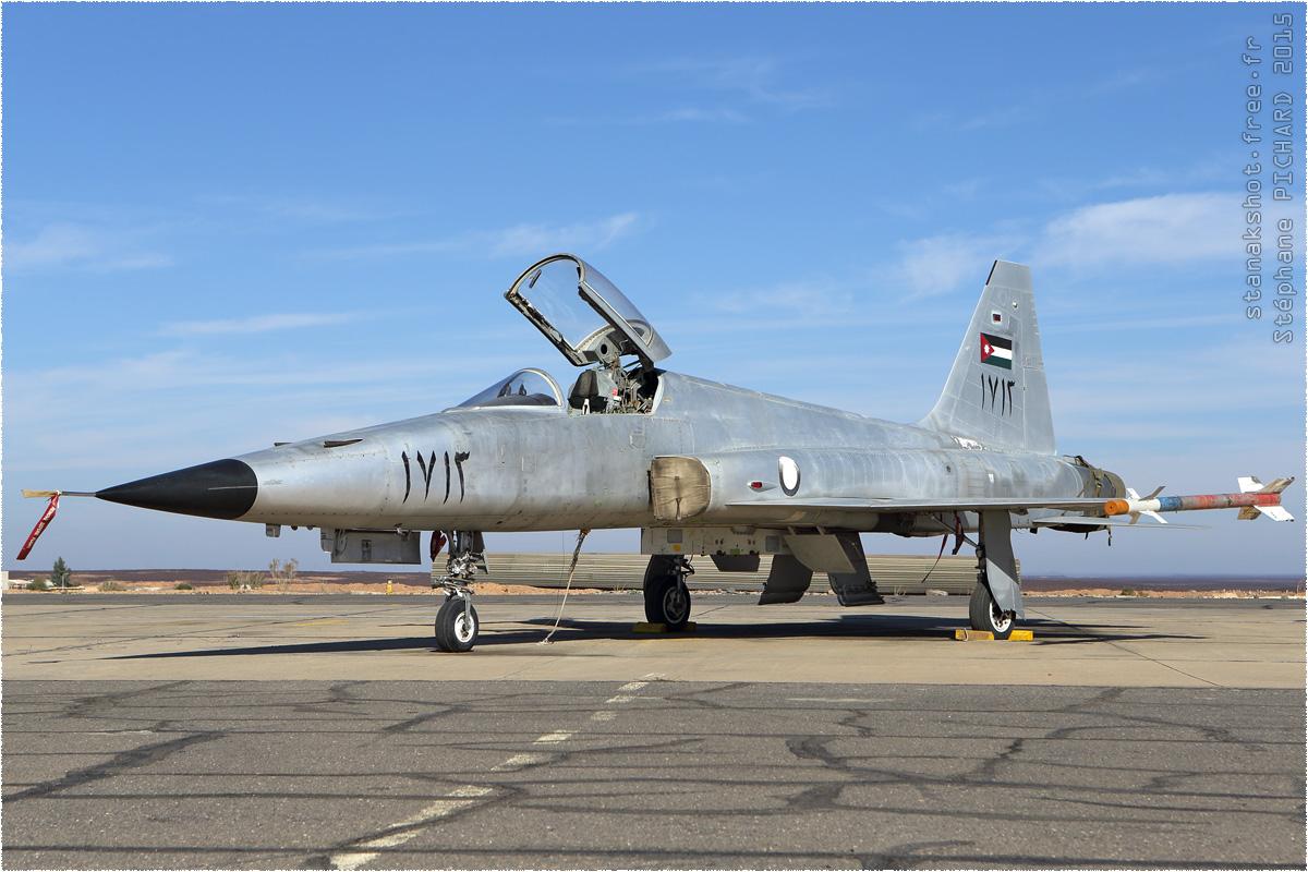 tof#8949 F-5 de la Force aérienne royale jordanienne au statique verrière ouverte à H5 Safawi (Jordanie) en 2015