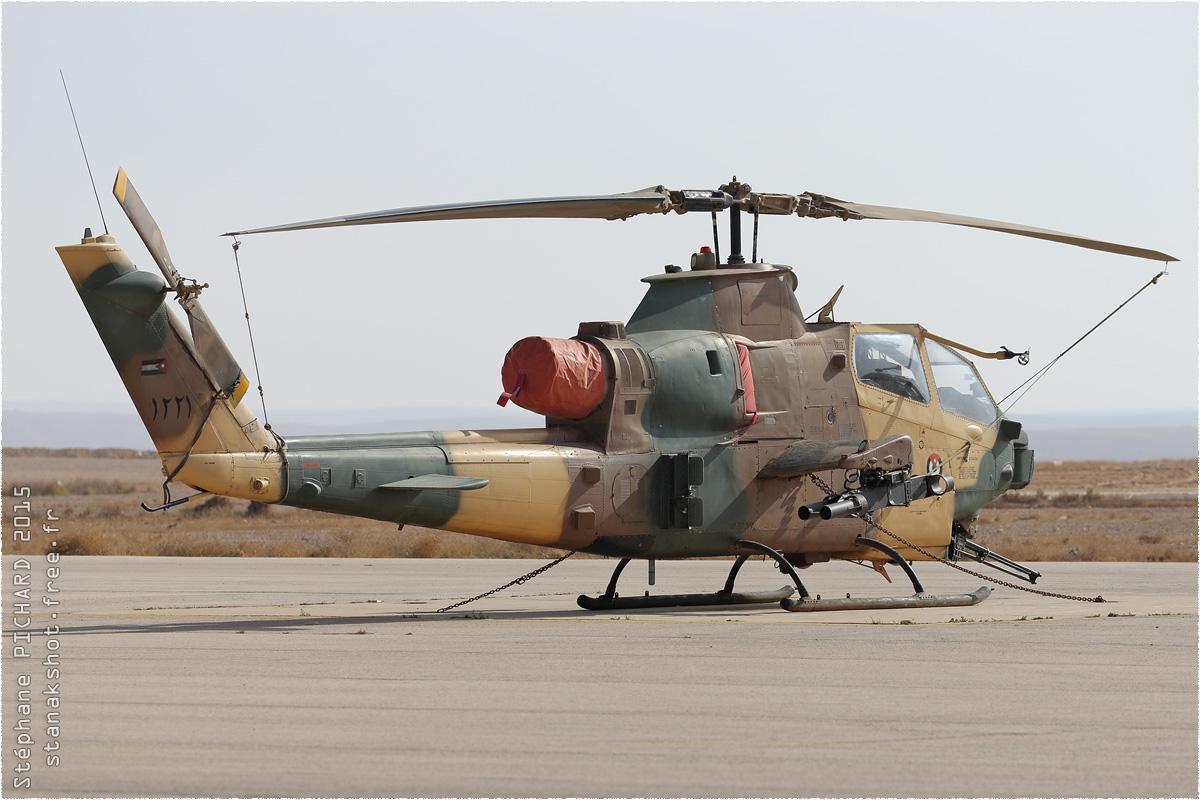 tof#8973 Cobra de la Force aérienne royale jordanienne au statique à Az Zarqa (Jordanie) en 2015