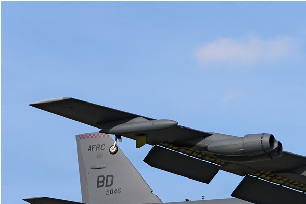Photo#8136-1-Boeing B-52H Stratofortress