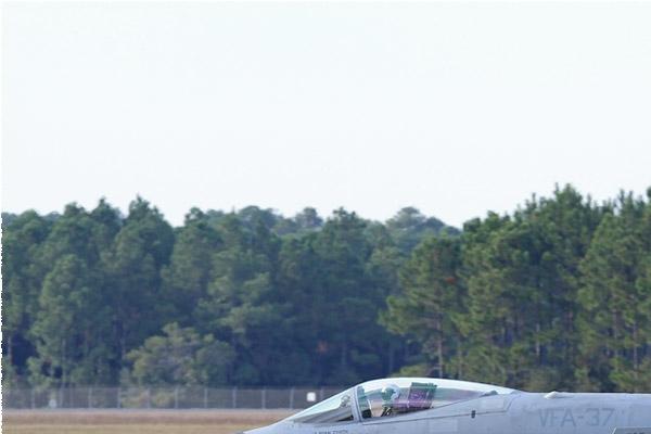 Photo#8323-1-McDonnell Douglas F/A-18C Hornet