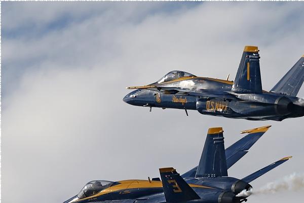 Photo#8341-1-McDonnell Douglas F/A-18C Hornet