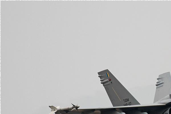 Photo#8420-1-McDonnell Douglas F/A-18D Hornet