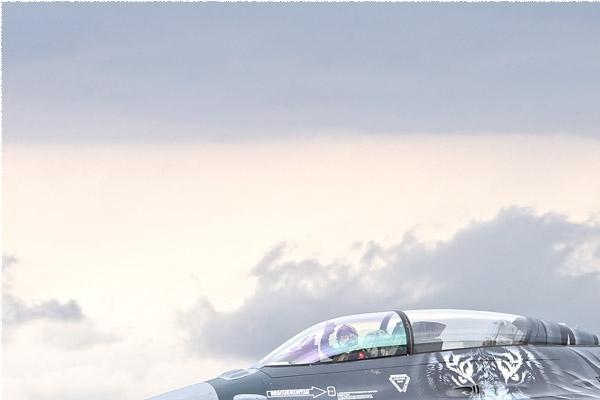 Photo#8574-1-General Dynamics F-16D Fighting Falcon