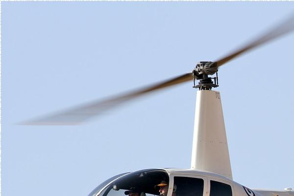 8898a-Robinson-R44-Raven-II-Jordanie-air-force