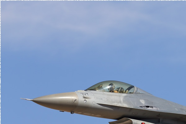 Photo#8947-1-General Dynamics F-16AM Fighting Falcon