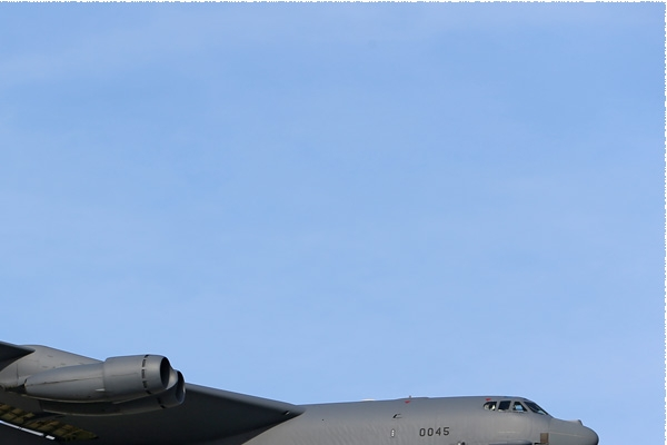 Photo#8136-2-Boeing B-52H Stratofortress
