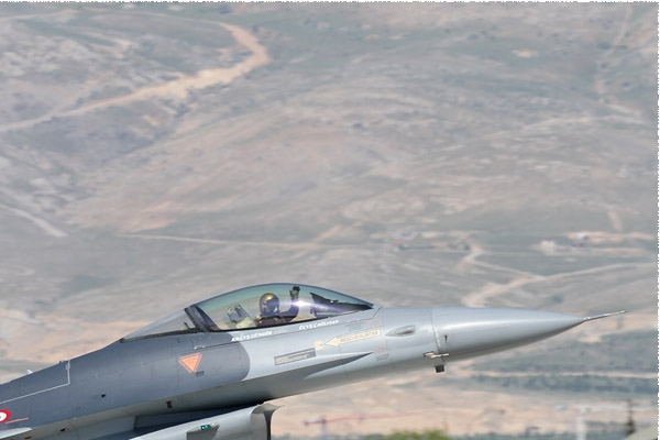 Photo#8562-2-General Dynamics F-16C Fighting Falcon