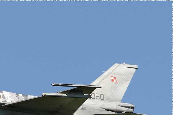 Photo#8566-2-Lockheed Martin F-16C Fighting Falcon